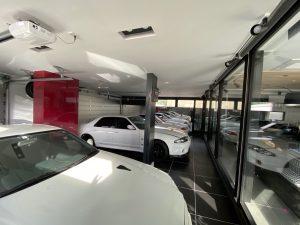 ガレージハウスにホームシアター GTR とともに。